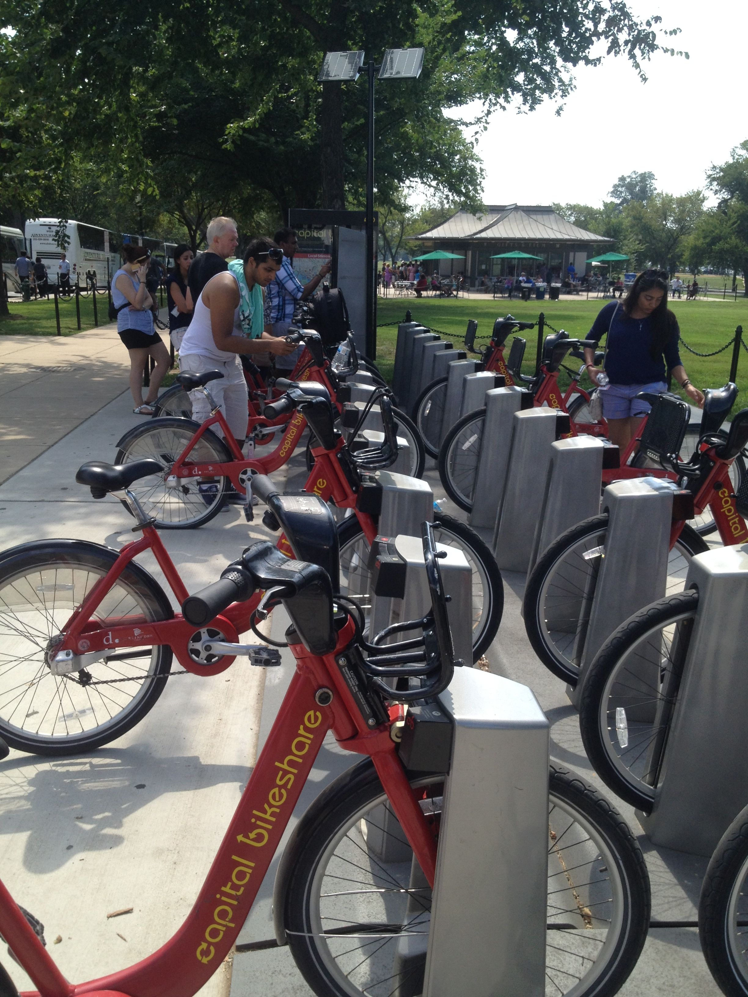 Using Capital Bikeshare In Dc To Tour Washington And How Its Lincoln Pit Bike Memorial Dock